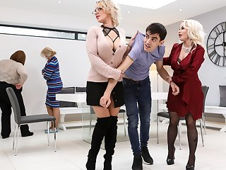 Cross over Beside Pussy Unconforming Video With Jordi & Lou Lou & Petite Princess Eve - Brazzers