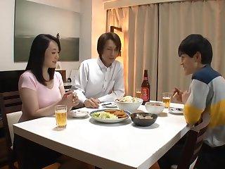 Experienced Kin Sleeps His Wife. Naomi MiyafujiKudou Naomi