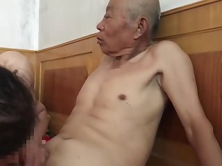 muted Chinese old alms-man fucking grandma