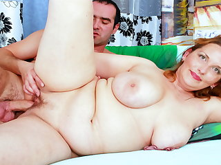Chubby Mom With Big Saggy Tits Seduces Son's Side to Roger