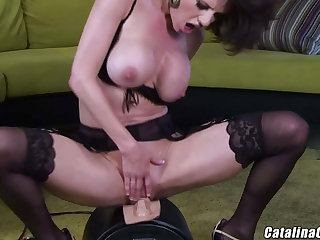 Veronica Avluv squirts vibrating pussy, dirty mom loves to cum