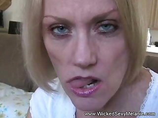 Amateur Grandma Cougar Likes To Suck Hard Cock