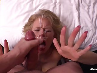 Country mature mom gets messy cum exceeding complexion - POV hardcore with facial