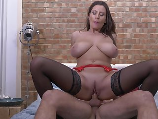 Passionate having it away on the adjoin with horny cougar Sensual Jane