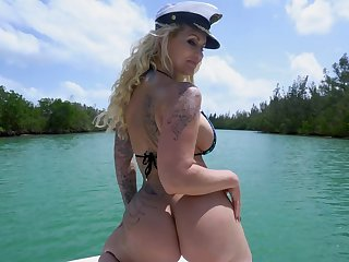 Big ass MILF ass fucked in silly hardcore