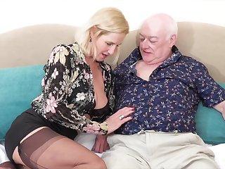 Horny mature wife Molly Maracas enjoys having sex give her hubby