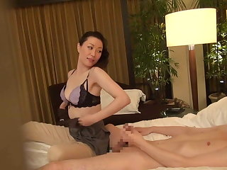 Subtitled Japanese milf rub down therapist seduction in HD
