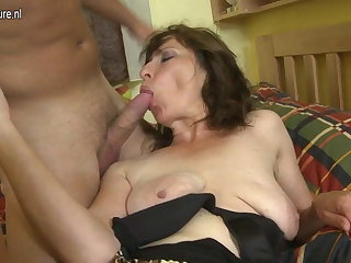 Hairy mom fucking her son's pulse friend