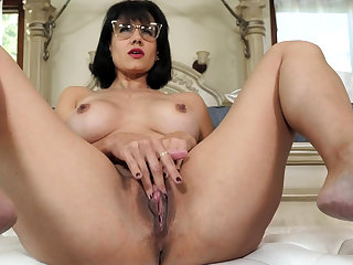 Mature stepmother masturbating vanguard of stepson