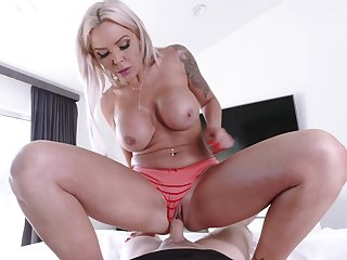 Big booty blonde become man relative to special POV with her personify son
