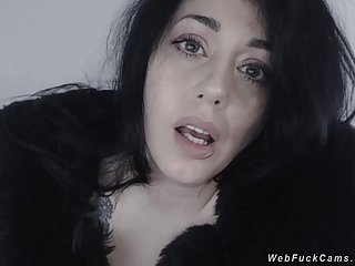 Natural socking tits babe on webcam