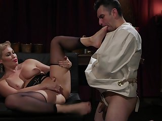 Ryan Keely pegs her male menial with the addition of gets her trimmed pussy licked