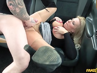 Busty mature cookie enjoys sex on the back rear end of her taxi