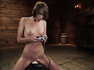 Bitch uses fucking machine in crazy solo masturbation XXX