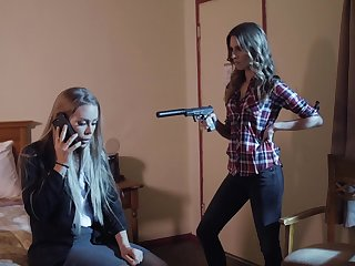 Anya Olsen makes sexy Nicole Aniston take a crack at a trine with her BF