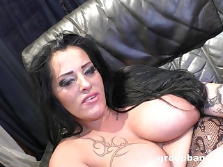 Shove around whore of a wife spreads the brush hands to be fucked by a lover