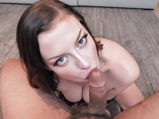 Wonderful looking curvy Sovereign Syre is hot MILF who is addicted to sucking load of shit