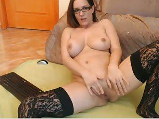 This camslut is soon to border on cede to you all day pound and I love her big tits