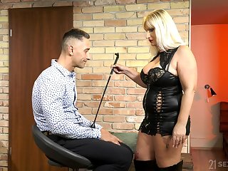 Mature come with thistledown Anna Valentina bangs young dutiful dude