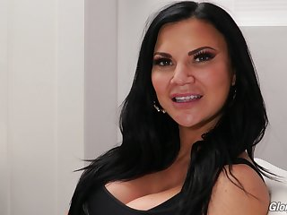 Jasmine Jae's porn embrocate for Dog Fart Network and lose one's train of thought MILF is so sexy
