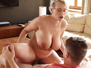 Seductive thick European MILF Bettor Wicky enjoying some mind blowing sex