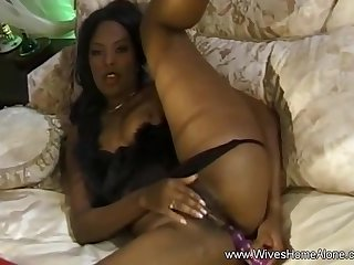 Meagan Reed - Black Housewife Masturbates When Spouse Works Deep Unequalled